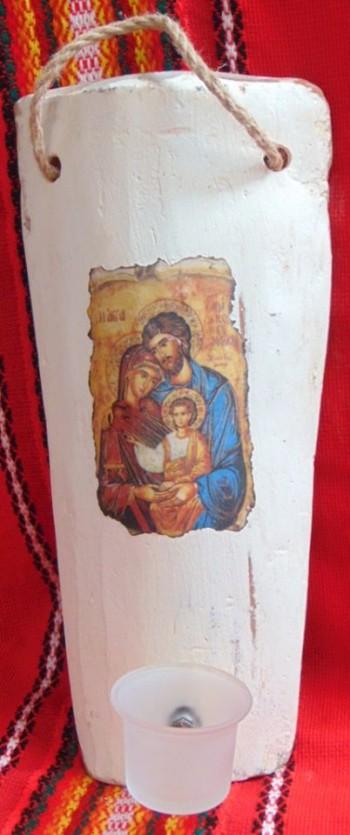 Керемида с икона и кандилце